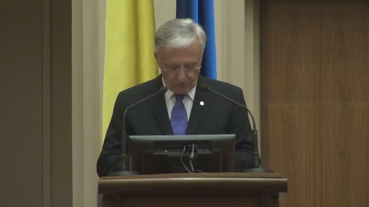 Briefing de presă susținut de Guvernatorul Mugur Isărescu