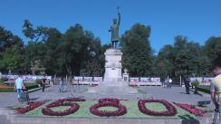 Depuneri de flori la Monumentul lui Ștefan cel Mare și Sfânt din Chișinău, cu ocazia împlinirii a 512 ani de la moartea domnitorului
