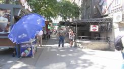 """Protest organizat de un grup de locuitori ai orașului Orhei și fracțiunea """"Pentru Orhei"""" în fața postului de televiziune JurnalTV"""