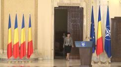 Ceremonie de decorare a unor profesori de limba română cu ocazia Zilei Limbii Române