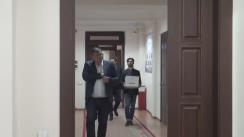 Grupul de inițiativă pentru susținerea candidatului independent la funcția de Președinte al Republicii Moldova, Roman Mihăeș, depune la CEC listele de subscripție cu semnăturile colectate