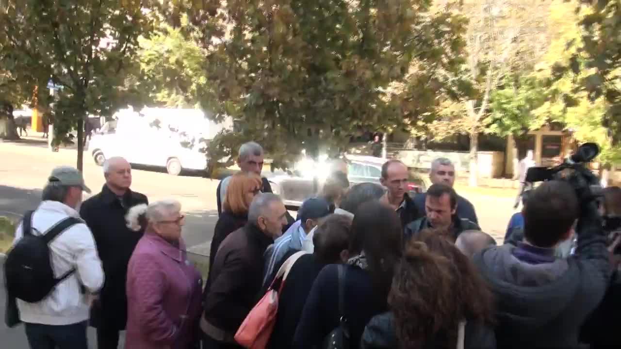 Protest organizat de Partidul Platforma Demnitate și Adevăr în fața Procuraturii Generale, MAI, SIS și CEC pentru a cere investigarea cazul cu pliante denigratoare la adresa candidatului la funcția de președinte, Andrei Năstase