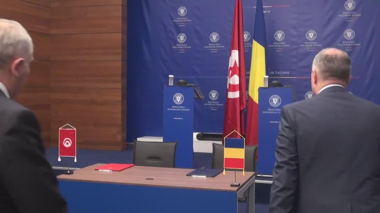 Conferința de presă susținută de ministrul român al afacerilor externe, Lazăr Comănescu, și omologul său tunisian, Khemaies Jhinaoui