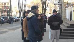 """Protest organizat de Asociația Obștească """"Onoare, Demnitate și Patrie"""" la Curtea Constituțională. Manifestanții cer nevalidarea alegerilor"""