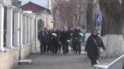 Deputații și membrii Partidului Liberal depun flori la Ambasada Germaniei în Republica Moldova