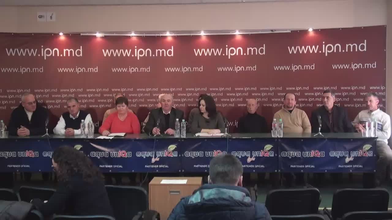 """Conferință de presă organizată de Partidul Platforma Demnitate și Adevăr cu tema """"Reacția organizației teritoriale Orhei a Platformei Demnitate și Adevăr la actul de corupere de către gruparea criminală Plahotniuc-Șor a președintelui organizației, Ion Levința"""""""