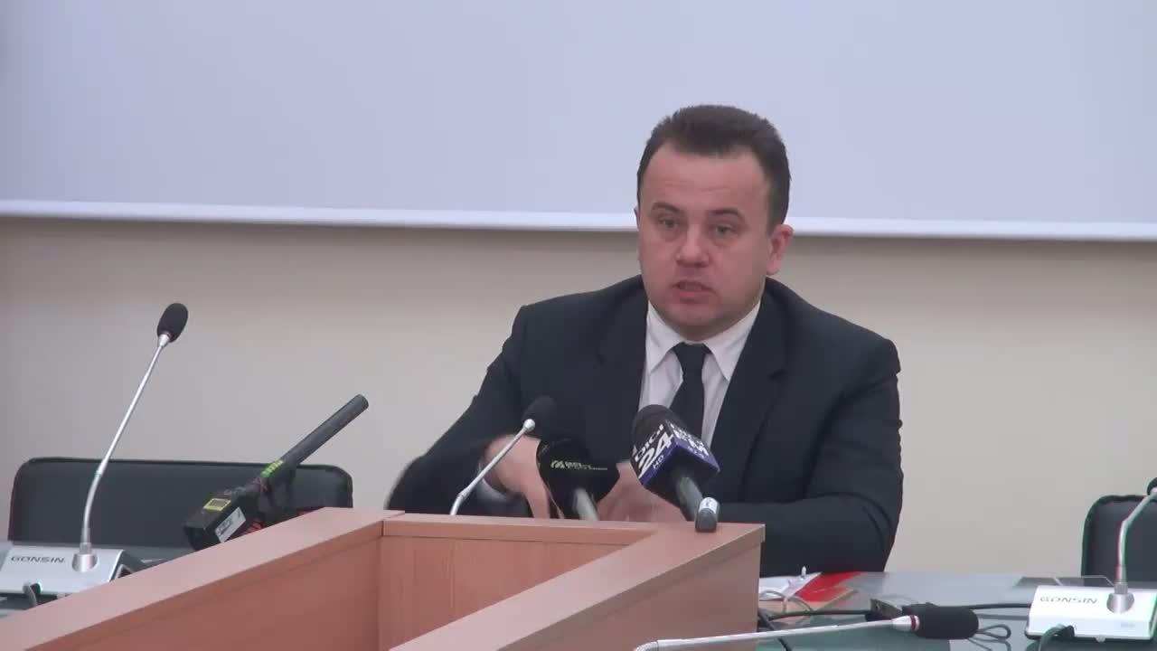 Conferință de presă pentru prezentare unor serii de măsuri în domeniul educației conform programului de guvernare susținută de Liviu Pop
