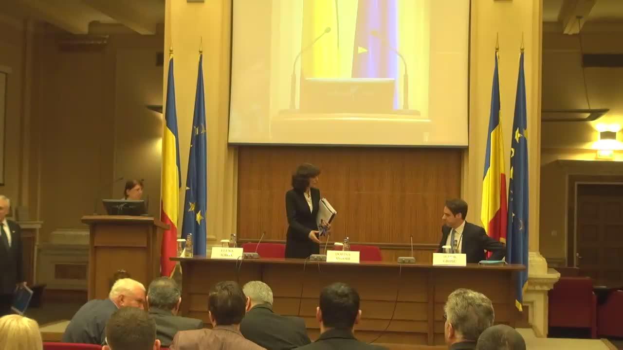 Conferința de presă susținută de guvernatorul Băncii Naționale a României, Mugur Isărescu, pentru prezentarea Raportului trimestrial asupra inflației