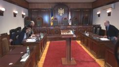"""Curtea Constituțională a Republicii Moldova examinează dacă femeia care a lucrat o anumită perioadă pe parcursul a 9 luni de zile premergătoare nașterii și a demisionat, ar putea fi considerată """"soție aflată la întreținerea soțului"""""""