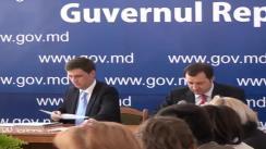 Rundă de consultări publice în problema descentralizării, cu participarea prim-ministrului Vladimir Filat, aleșilor locali, societății civile și mediului academic