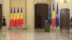 Ceremonia de decorare a doamnei Nora Iuga și a domnului Ion Caramitru de către Președintele României, Klaus Iohannis