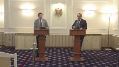 """Conferință de presă susținută de consilierii prezidențiali Corneliu Popovici și Maxim Lebedinschi cu tema """"Inițiativa legislativă privind modificarea modalității susținerii Bacalaureatului"""""""