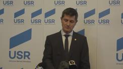 Conferință de presă susținută de Viceliderul Grupului parlamentar al USR, Dan Barna, membrul Comisiei pentru sănătate a Camerei Deputaților, Tudor Pop, și senatorul Vlad Alexandrescu