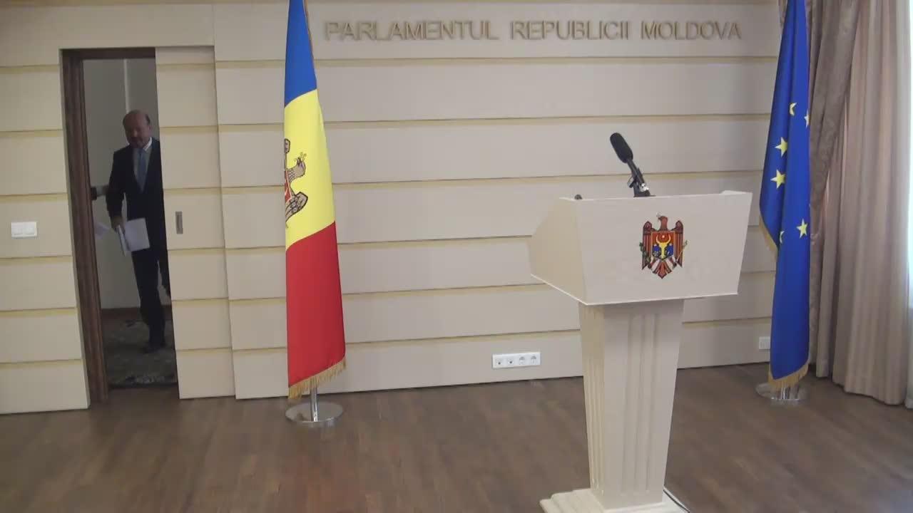Briefing susținut de deputații Iurie Leancă și Valeriu Ghilețchi
