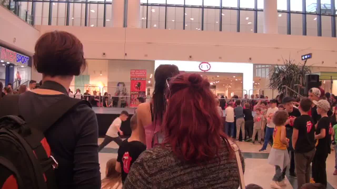 """Flashmob """"Ziua Internațională a Dansului"""""""