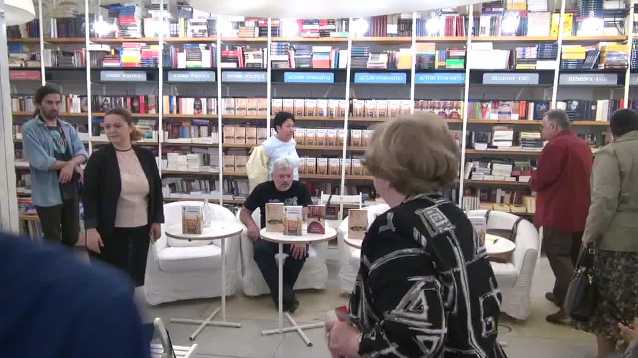 """Lansarea cărții """"Aviatorul"""", de Evgheni Vodolazkin. Invitați: Evgheni Vodolazkin, Dan C. Mihăilescu, Francisca Baltăceanu. Moderator: Denisa Comănescu"""