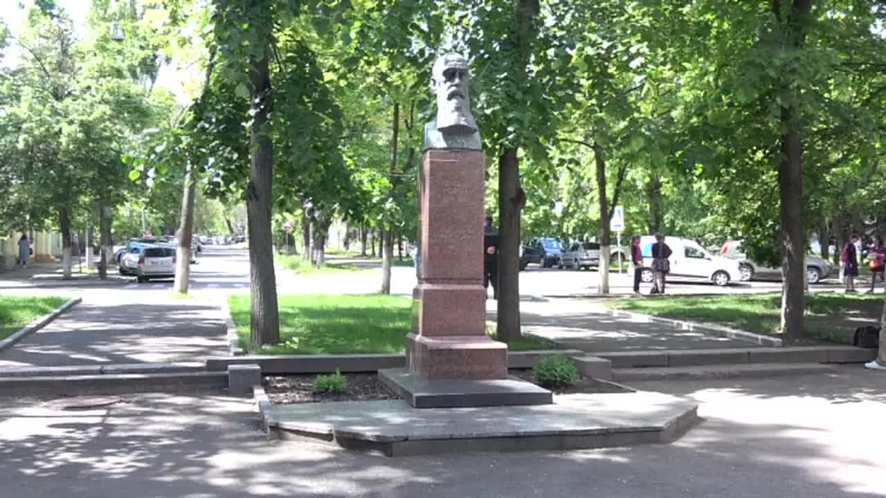 """Flashmob organizat de Tineretul Liberal cu tema """"Trădarea boierului Moruzi în 1812 și a lui Igor Dodon în prezent"""""""