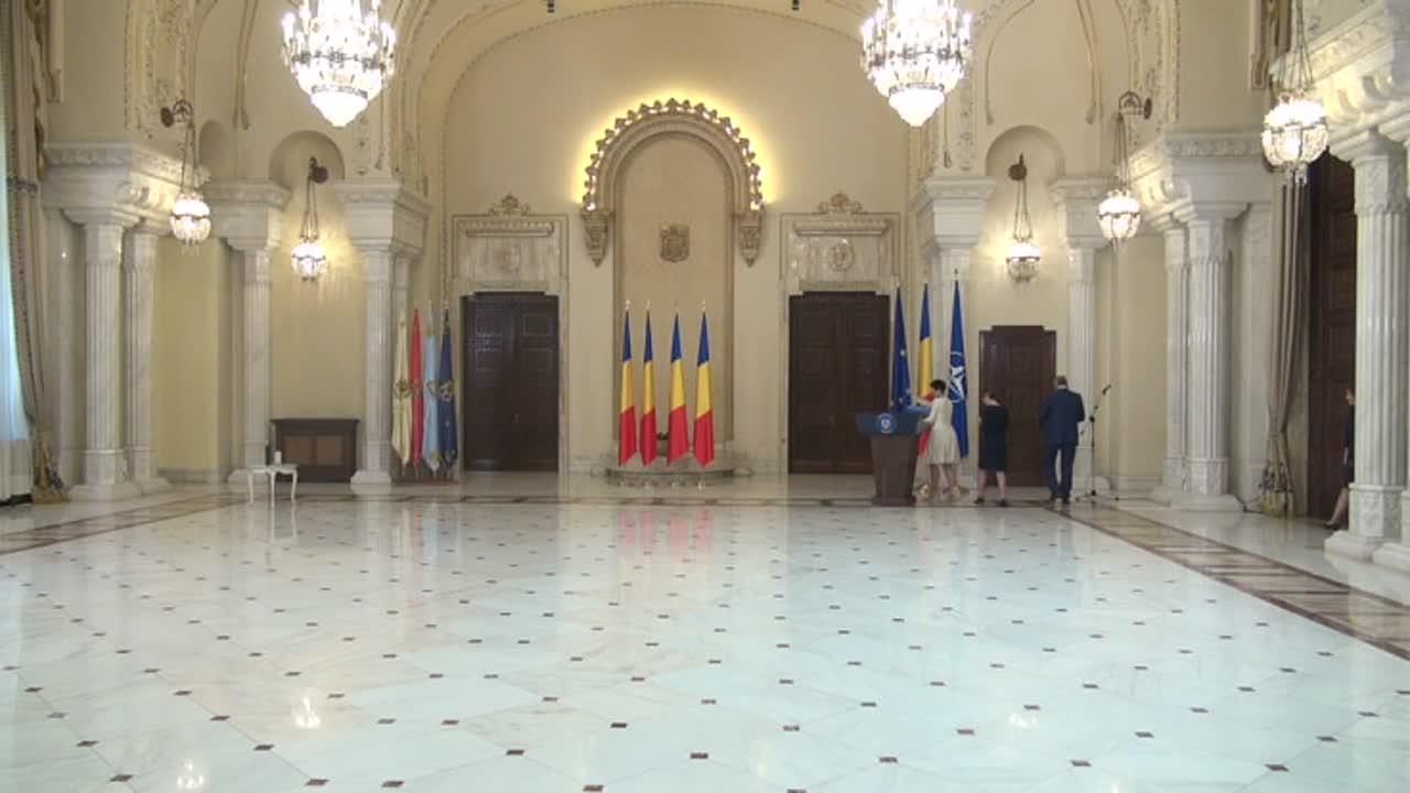 Ceremonia de decorare a Consiliului Concurenței, cu prilejul împlinirii a 20 de ani de activitate instituțională