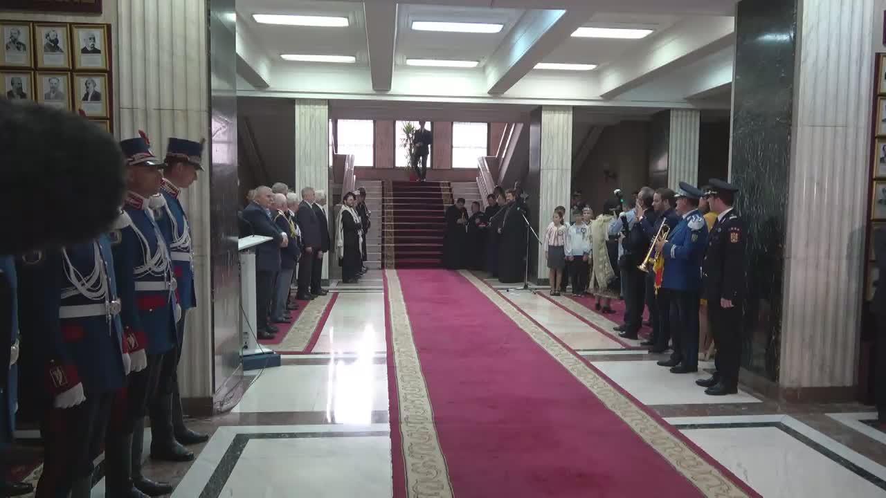 Ceremonia de comemorare a celor care și-au dăruit viața în slujba legii și a patriei, organizată cu ocazia Zilei Eroilor