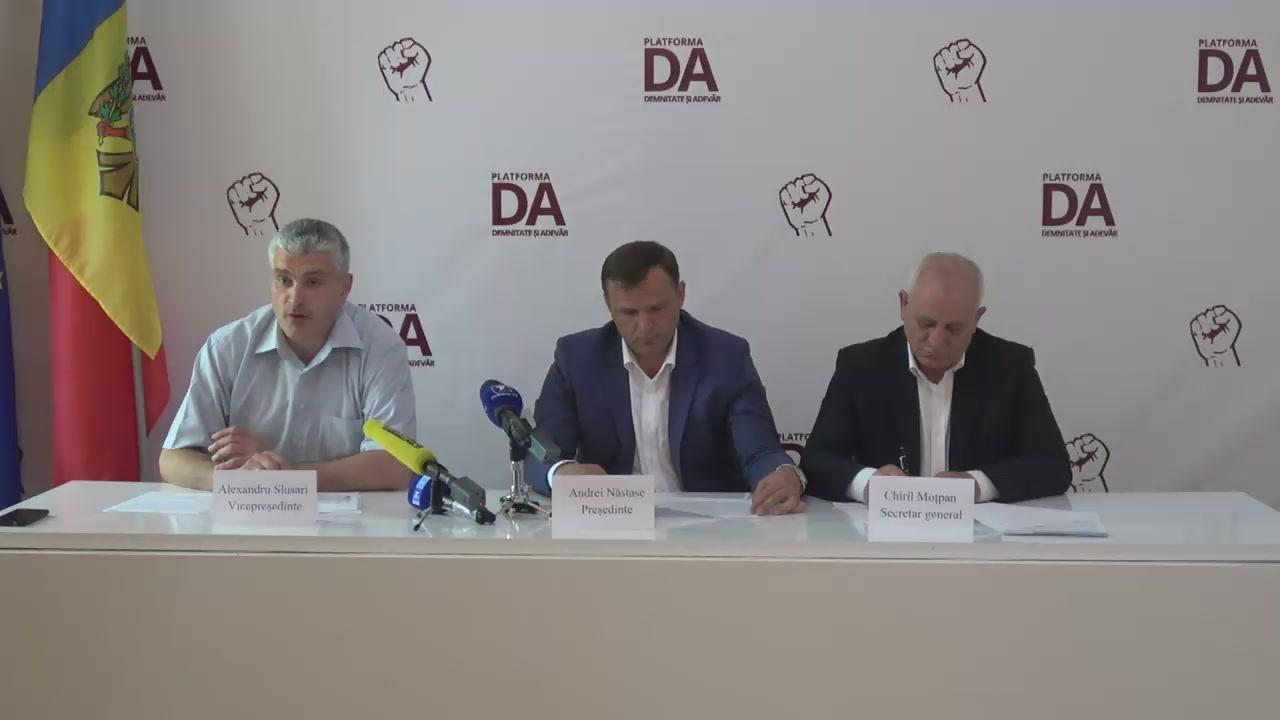"""Conferință de presă cu titlul """"Propunerile Platformei Demnitate și Adevăr privind combaterea complexă a economiei tenebre"""""""