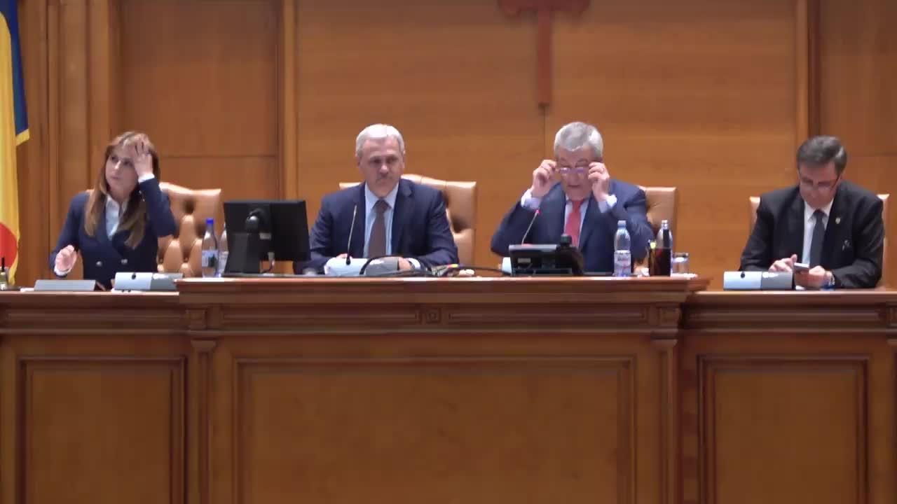 Ședința comună a Senatului și Camerei Deputaților României din 21 iunie 2017. Dezbaterea și votul asupra Moțiunii de cenzură împotriva Guvernului condus de Sorin Grindeanu