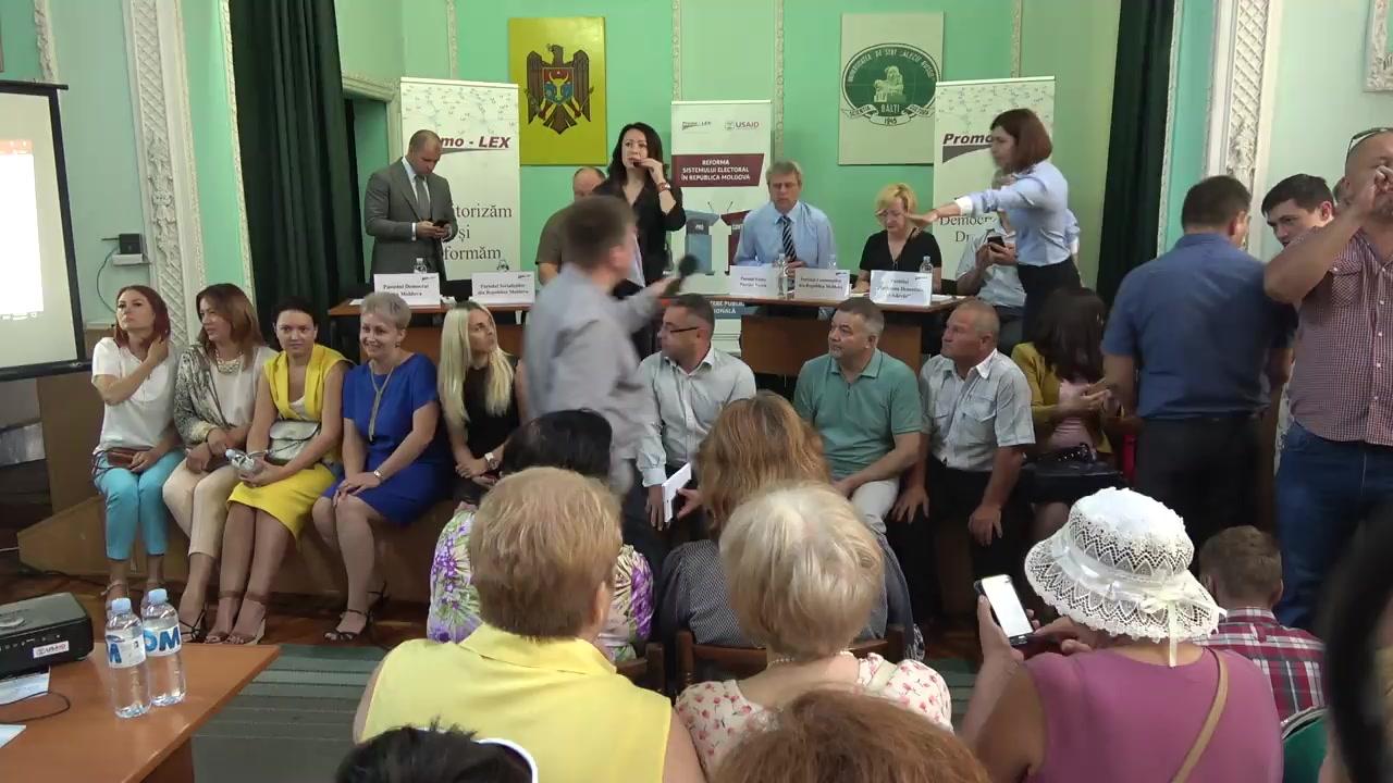 Dezbateri la Bălți PRO sau CONTRA modificării sistemului electoral: Cetățenii întreabă – politicienii răspund