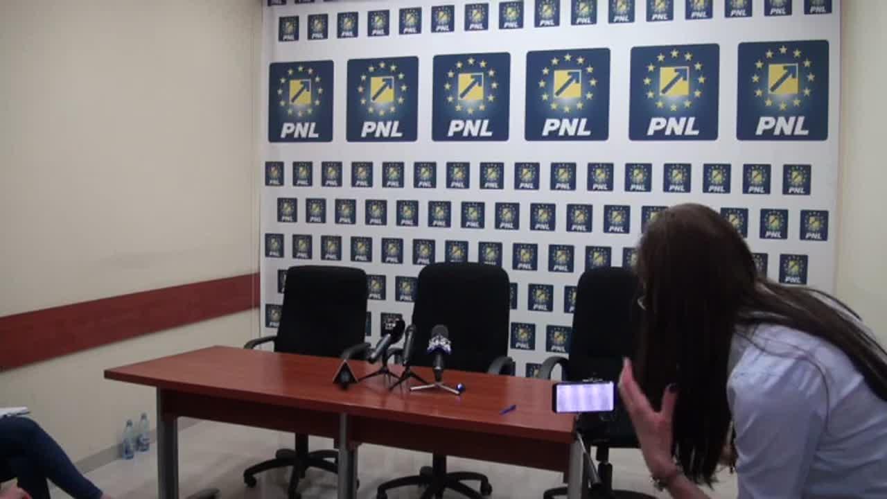 Conferință de presă susținută de Președintele Partidului Național Liberal, Ludovic Orban, la Iași