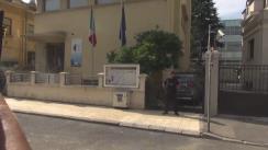Președintele PSD, Liviu Dragnea, semnează în cartea de condoleanțe deschisă la Ambasada Spaniei în România