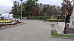 Prim-ministrul Ucrainei, Volodimir Groisman, depune flori la Monumentul Domnitorului Ștefan cel Mare și Sfânt