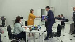 Vasile Costiuc depune actele pentru a fi înregistrat în calitate de candidat la funcția de Primar al mun. Chișinău