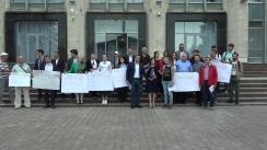 """Flashmobul desfășurat de Partidul Acțiune și Solidaritate, Platforma DA și Partidul Liberal Democrat, cu titlul """"Europa acasă!"""""""