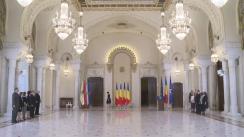 """Ceremonia de decorare a pianistului Valentin Gheorghiu și a Muzeului Național de Istorie Naturală """"Grigore Antipa"""""""