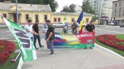 """Acțiune de protest organizată de Asociația """"UNIREA - ONOARE, DEMNITATE ȘI PATRIE"""" privind anexarea Basarabiei de către URSS"""