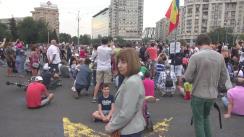 "Protestul din Piața Victoriei ""Gust de libertate/A Taste for Freedom"""
