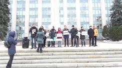 """Flashmob organizat de Tinerii DA și PAS Youth cu titlul """"Tinerii ACUM dau o lecție de economie domnului Gaburici"""""""