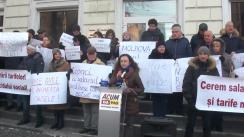 """Acțiunea publică organizată de către membri ai viitorului bloc ACUM, cu titlul """"ANRE, reduceți ACUM tarifele la căldură!"""""""