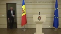 Briefing susținut de Președintele Comisiei de anchetă pentru elucidarea tuturor circumstanțelor devalizării sistemului bancar din Republica Moldova și investigării fraudei bancare, Alexandru Slusari