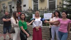 Potest civic în fața Mitropoliei Moldovei împotriva cruzimii