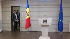 Conferință de presă susținută de deputații Iurie Reniță și Lilian Carp de prezentare a inițiativelor legislative privind modificarea unor acte normative ce vizează utilizarea limbii române și a activității fundațiilor de caritate