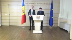 Briefing de presă susținut de deputații fracțiunii ACUM Platforma DA, Dinu Plîngău și Liviu Vovc, privind crearea unei comisii de anchetă cu privire la evenimentele din 7 aprilie 2009