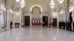 Ceremonia de decorare a domnului Ivan Patzaichin de către Președintele României, Klaus Iohannis