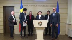Conferință de presă susținută de deputații Partidului Acțiune și Solidaritate de prezentare a angajamentelor în domeniile drepturile omului și relații interetnice