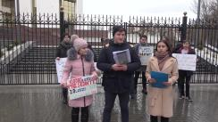 Flashmob organizat de Tinerii DA cu solicitarea de a realoca o parte din banii prevăzuți în Legea Bugetului 2020 pentru întreținerea aparatului președintelui