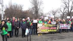 """Ecologiștii (PER) protestează: """"Parlamentarilor, nu vă mai bateți joc, salvați pădurile României! Scoateți drujba din pădure!"""""""