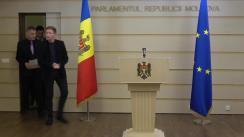 """Briefing susținut de către deputatul Octavian Țîcu privind situația Liceului """"Mihai Eminescu"""" din Comrat"""