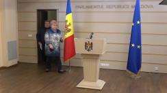 """Briefing susținut de deputații din fracțiunea Partidului Politic """"ȘOR"""" în timpul ședinței Parlamentului Republicii Moldova din 11 iunie 2020"""