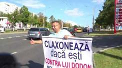 """Acțiunea """"Claxonează, dacă ești împotriva lui Dodon"""", organizată de Partidul Nostru. Locul desfășurării falshmob-ului - str. Alecu Russo la intersecție cu Mihail Sadoveanu"""