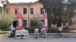"""Flashmob organizat de Moldovan National Youth Orchestra în cadrul expediției muzicale """"La La Play 2020"""" la Spitalul Clinic din municipiul Ungheni"""