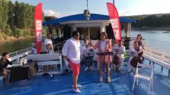 """Concert pe apă susținut de Moldovan National Youth Orchestra în cadrul expediției muzicale """"La La Play 2020"""" la Vadul lui Vodă"""