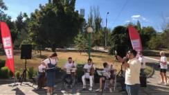 """Flashmob organizat de Moldovan National Youth Orchestra în cadrul expediției muzicale """"La La Play 2020"""" la Spitalul din orașul Anenii Noi"""